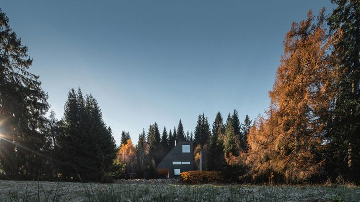 Weekend House Nové Hamry by NEW HOW architects