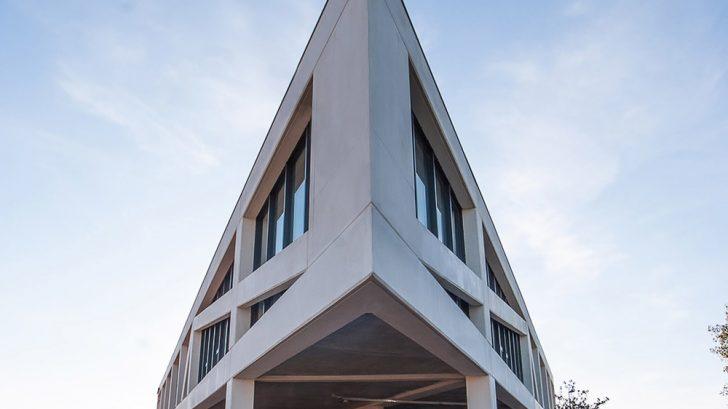 Equation by Amat & Saint-Val Architectes