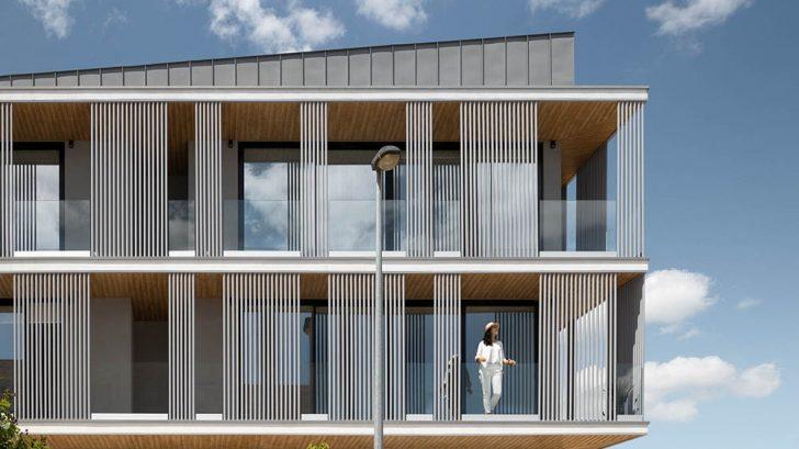 Take a Tour of the Bloco Habitacional I by Carolina Freitas Arquitectura